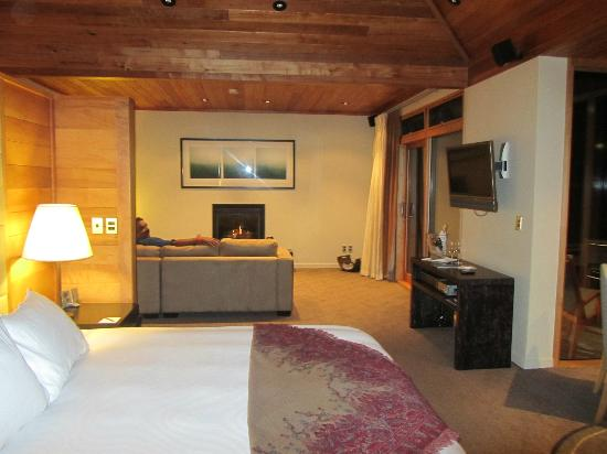 Azur: bedroom ensuite
