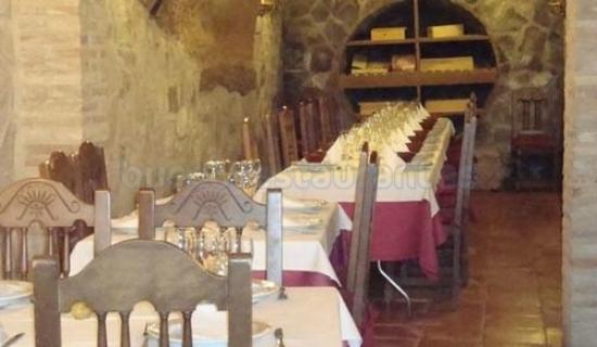 El Lagar de San Vicente: comedor de la bodega