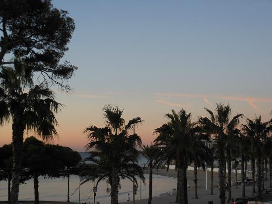 Le Miramar Hotel: alba sul mare