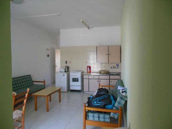 Tasmaria Hotel Apts.: кухня