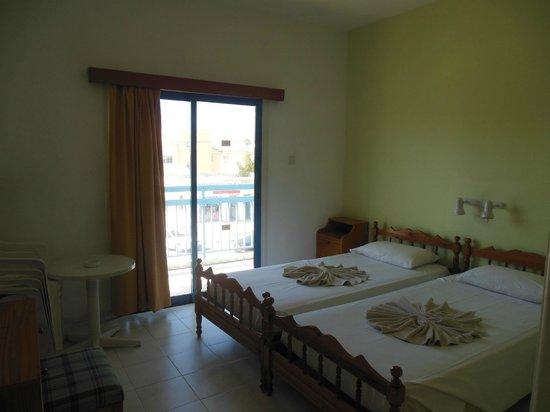 Tasmaria Hotel Apts.: комната