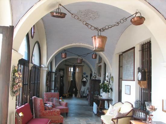 I Castagnoni - Bed&Breakfast e Relais: Entrance Hall
