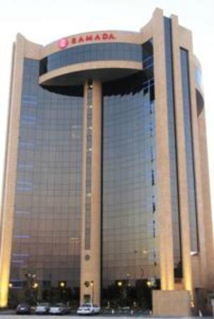 Gulf Hotel: exterior view