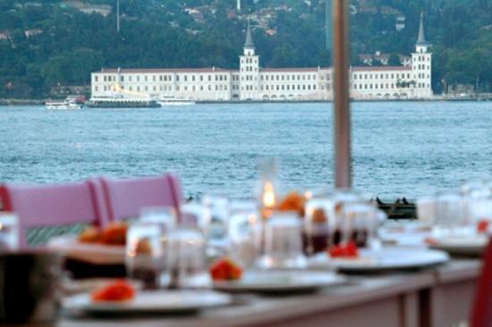 Kurucesme berdus meyhane istanbul besiktas restaurant for Guest house harbiye