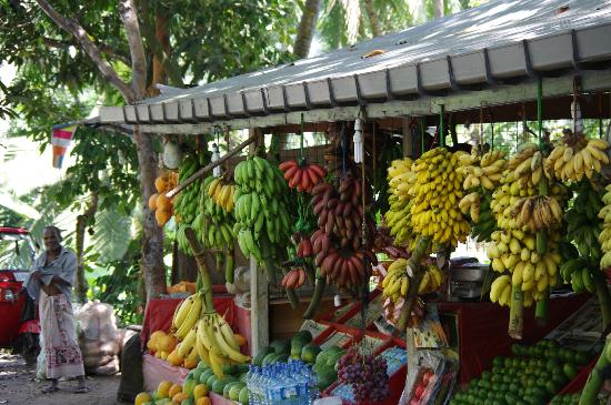 Royal Palms Beach Hotel: fruit stall