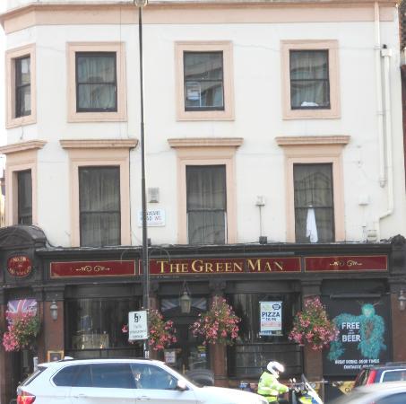 PubLove at The Green Man: Außenansicht des Hostels