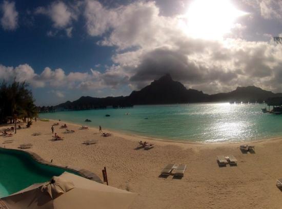 Le Meridien Bora Bora: Spiaggia