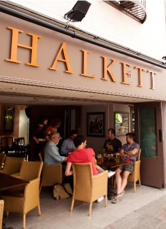 ‪Halkett Pub & Eating House‬
