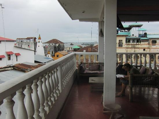 Clove Hotel: rooftop view 2