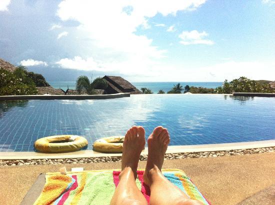 Bhundhari Spa Resort & Villas Samui: View from top pool