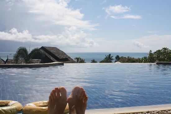 Bhundhari Spa Resort & Villas Samui: The top pool