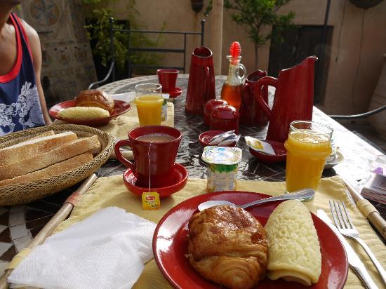 Riad Mur Akush: Petit déjeuner