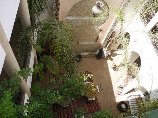 Riad Mur Akush: Riad
