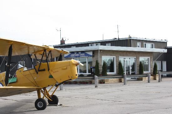 Guelph Airpark: DeHavilland Tiger Moth parked outside the Cafe
