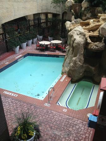 Hilton Garden Inn Austin Downtown/Convention Center: Pool/hottub