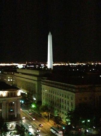 JW Marriott Washington, DC: Night view room 1547
