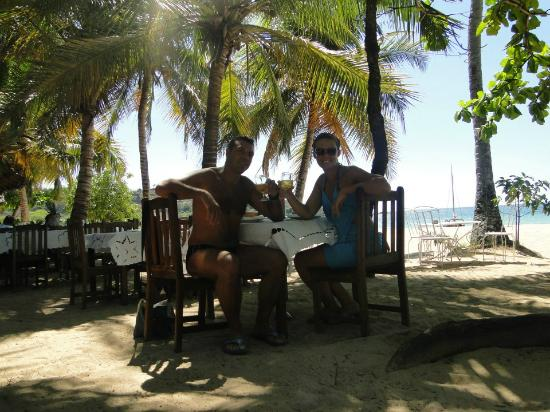 pranzo in riva al mare da chez loulou