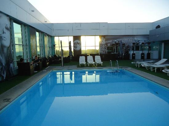 hete verkoop sportschoenen laatste stijl Piscina 15°piano - Picture of HF Ipanema Park, Porto ...