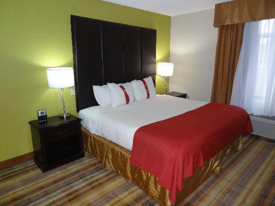 Holiday Inn Vicksburg: Bedroom