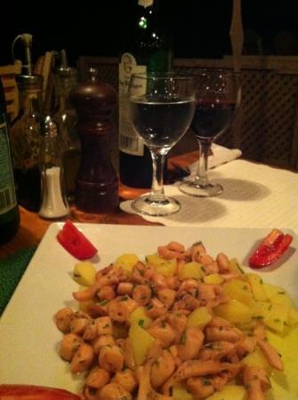 Dai Pescatori: Calamari With oliveoil
