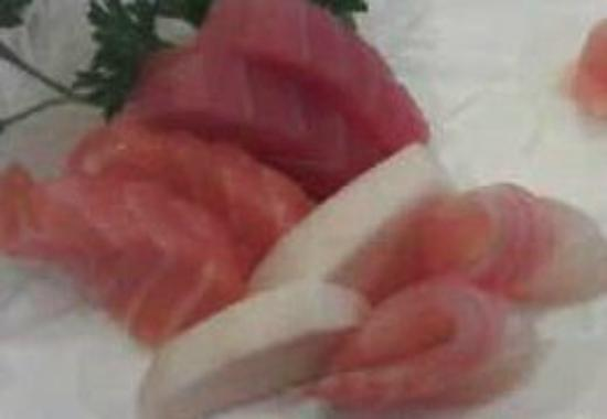 Ichiban Japanese Bistro and Steakhouse: Close up Sashimi