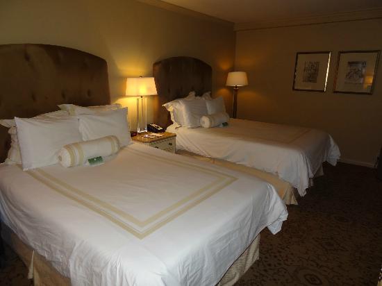 Dauphine Orleans Hotel: Bedroom