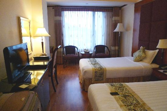 Flower Garden Hotel: Habitación