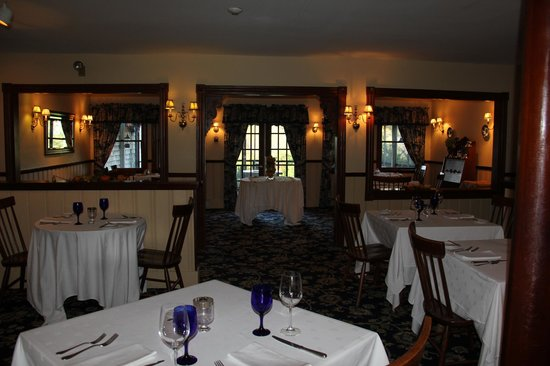 Bradley Inn: The breakfast room