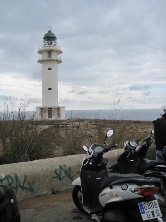 Es Cap de Barbaria Lighthouse: Leuchtturm am Ende der Welt