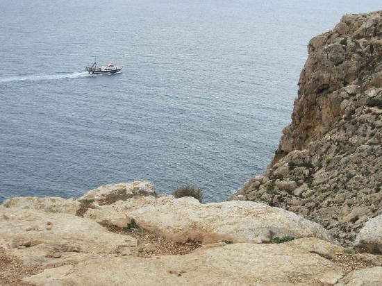 Es Cap de Barbaria Lighthouse: Hier gehts tief runter