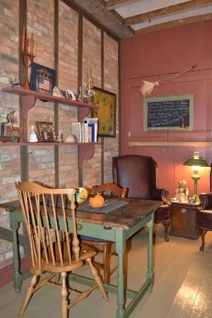 Zoar School Inn Bed and Breakfast: Breakfast /dinning room
