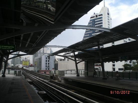 Amari Boulevard Bangkok: Amari Boulevard: Sneak Peek from BTS Nana