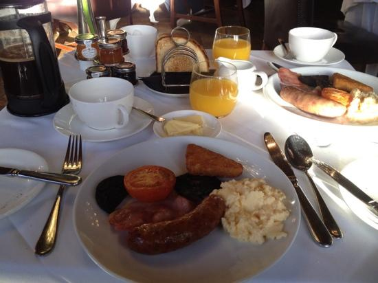 Rhinefield House: excellent breakfast in the Armada Restaurant