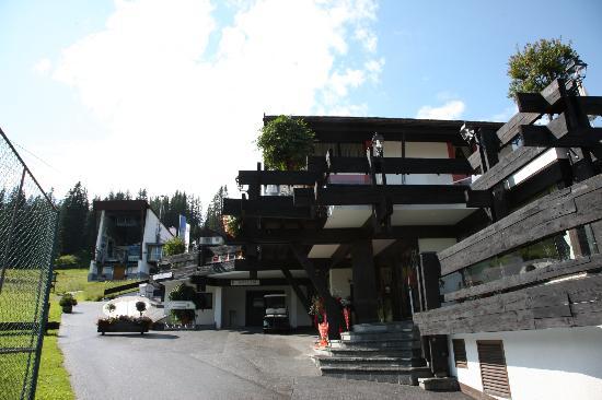 Burg Hotel: Aussenansicht 2