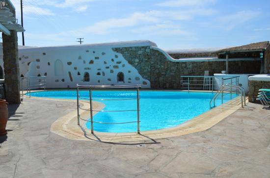 Arte & Mare Elia Mykonos Suites: Pool