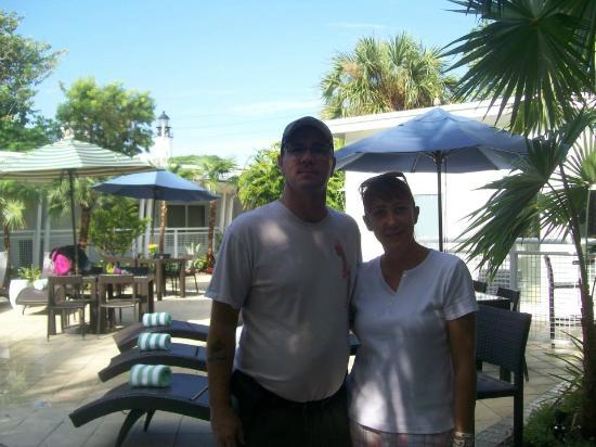 Orchid Key Inn: Pool Area