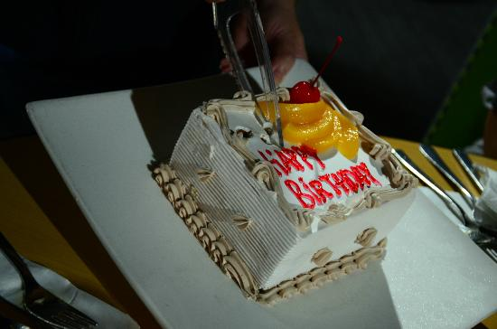 HARRIS Resort Batam Waterfront: my bday cake ;)