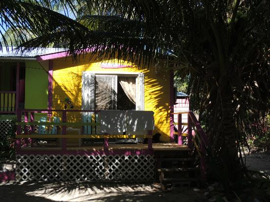 Barefoot Beach Belize: Beach front retreat