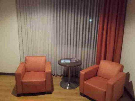 Hotel Poblado Alejandria: Spacious and practical room