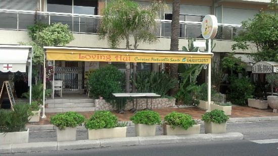 Loving Hut Restaurant exterior