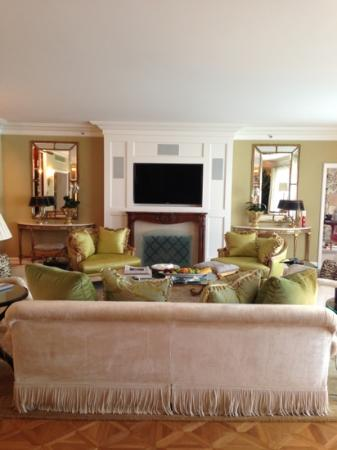 Marvelous The Peninsula Beverly Hills: Presidential Suite Living Room Part 30