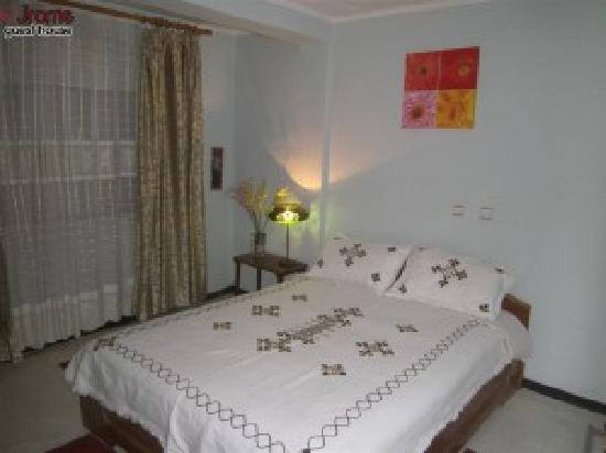 Jrome guest house addis ababa ethiopia guesthouse for Guest house cost
