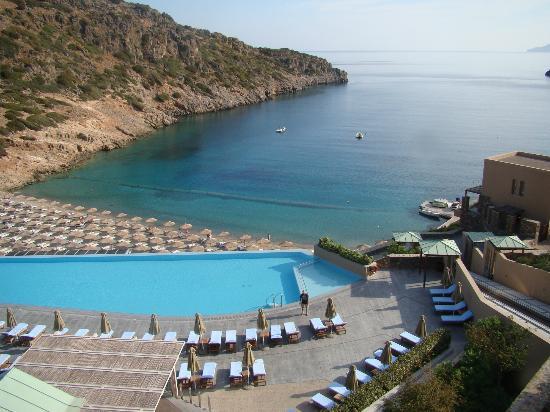 Daios Cove Luxury Resort & Villas: pool & beach