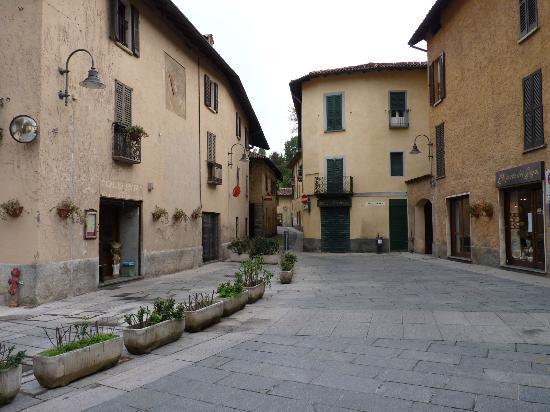 Castiglione olona picture of castiglione olona for Galimberti arredamenti castiglione olona
