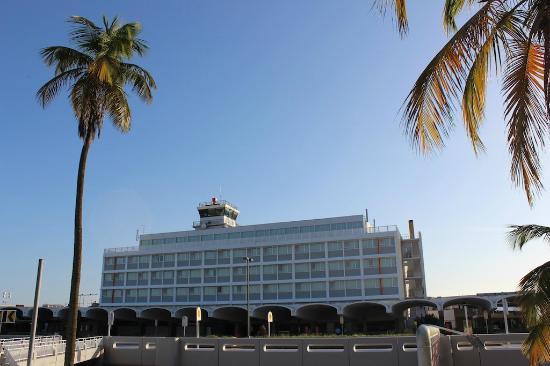 San Juan Airport Hotel: Exterior Hotel