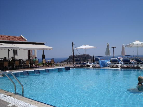 Lindos Horizon: Pool and bar