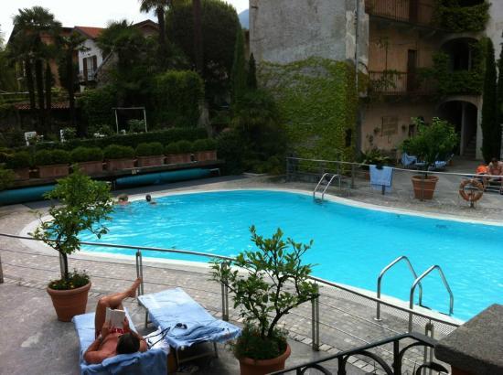 Hotel Cannero: Pool