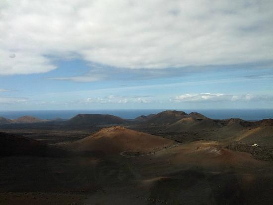 Parque Nacional de Timanfaya: view down the a line of volcanoes all on the same fault line