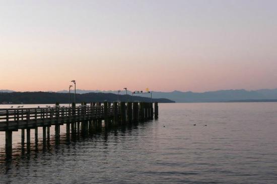Hotel Bayerischer Hof Starnberg: Lake Starnberg Sunrise