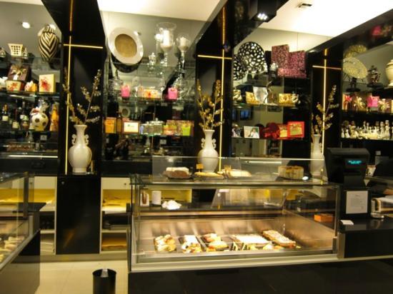 Pastelería Don Manuel: Beautiful design!